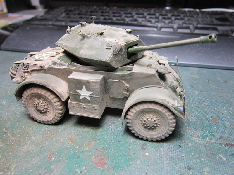 Staghound MK III armoured car (1/48 de Bronco) Img_7521