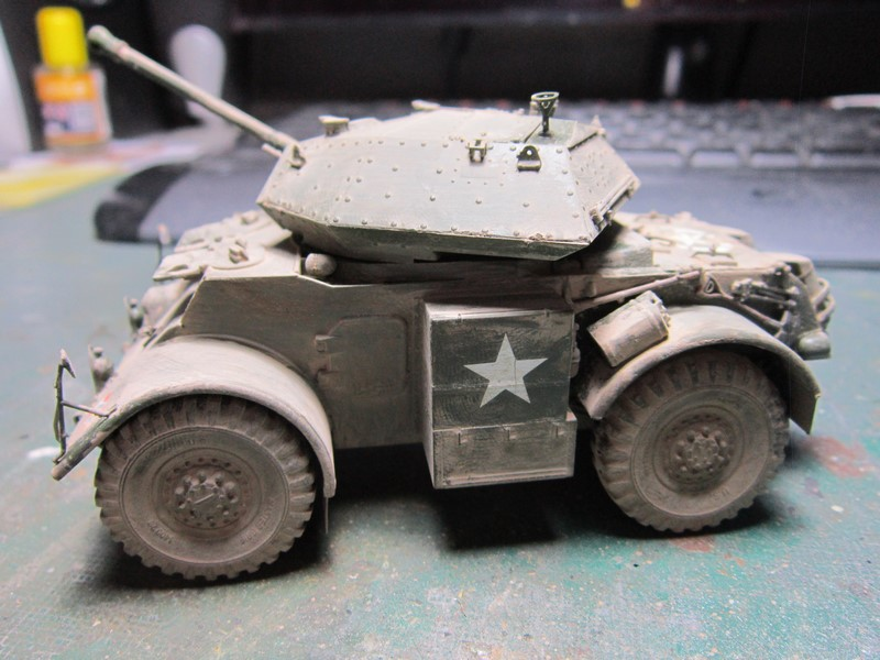 Staghound MK III armoured car (1/48 de Bronco) Img_7523