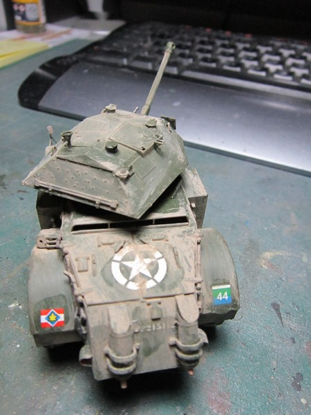 Staghound MK III armoured car (1/48 de Bronco) Img_7524