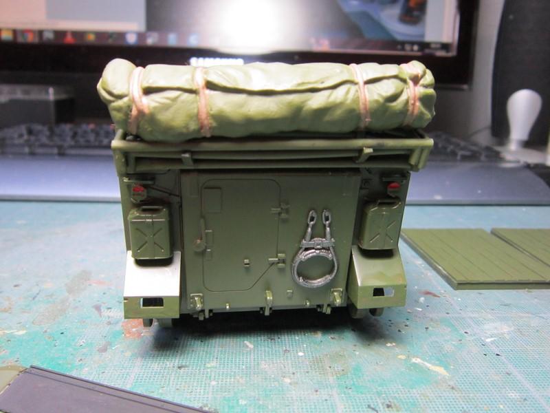 M577 armoured command post car (1/35 de Tamiya) voila le Dio Img_7736