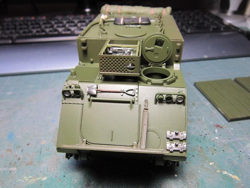 M577 armoured command post car (1/35 de Tamiya) voila le Dio Img_7737