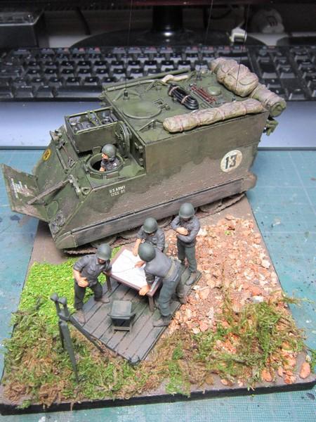 M577 armoured command post car (1/35 de Tamiya) voila le Dio Img_7744