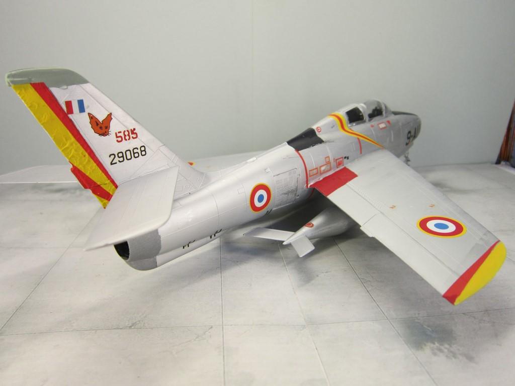 F-84F Thunderstreak (1/48 de HELLER) Img_8018