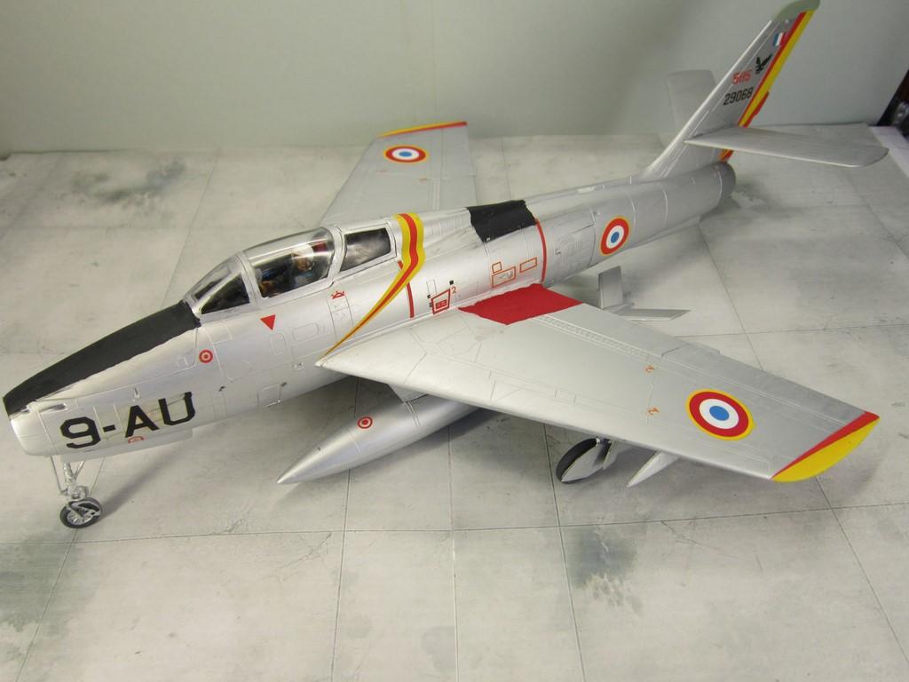 F-84F Thunderstreak (1/48 de HELLER) Img_8020
