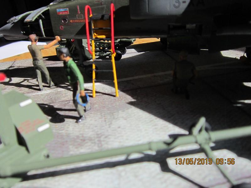 sepecat jaguar A (1/48 de kitty hawk) fini- rajout de la mise en situation Img_8212