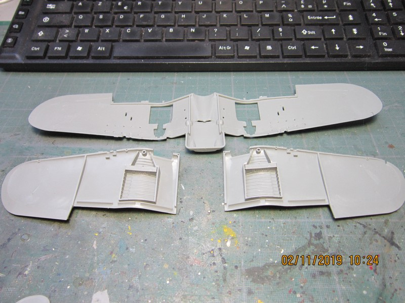"F4U-7 Corsair ""french navy"" 48 de HASEGAWA (fini) Img_8769"