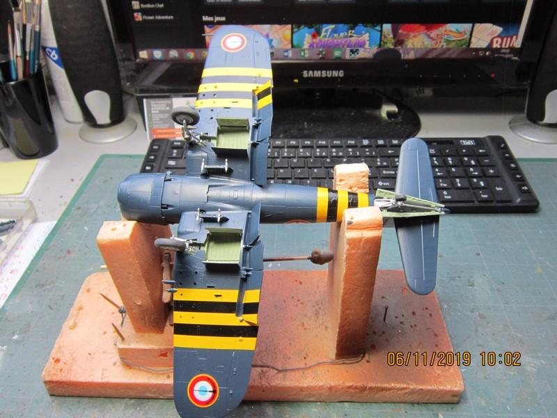 "F4U-7 Corsair ""french navy"" 48 de HASEGAWA (fini) Img_8776"