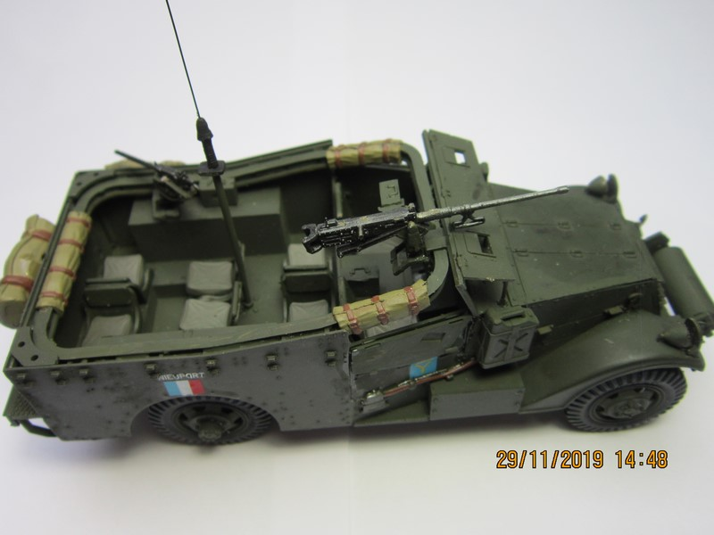 M3A1 Scout Car 1/35 de ITALERI  (Fini) Img_8945