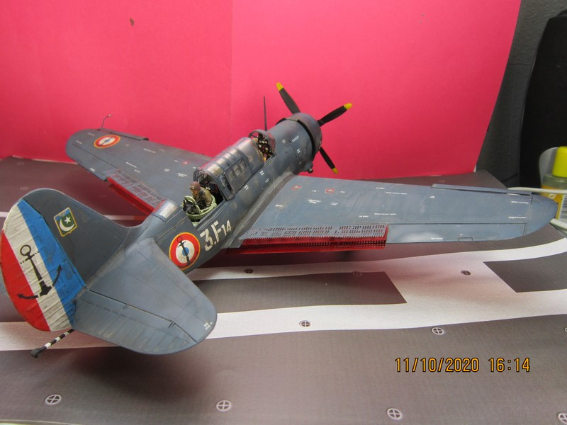 Curtiss SB2C-(4) 5 Helldiver au 48 de revell (fini) - Page 3 Img_9817