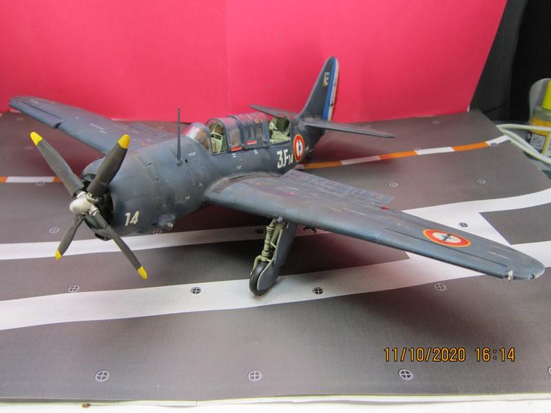 Curtiss SB2C-(4) 5 Helldiver au 48 de revell (fini) - Page 3 Img_9818
