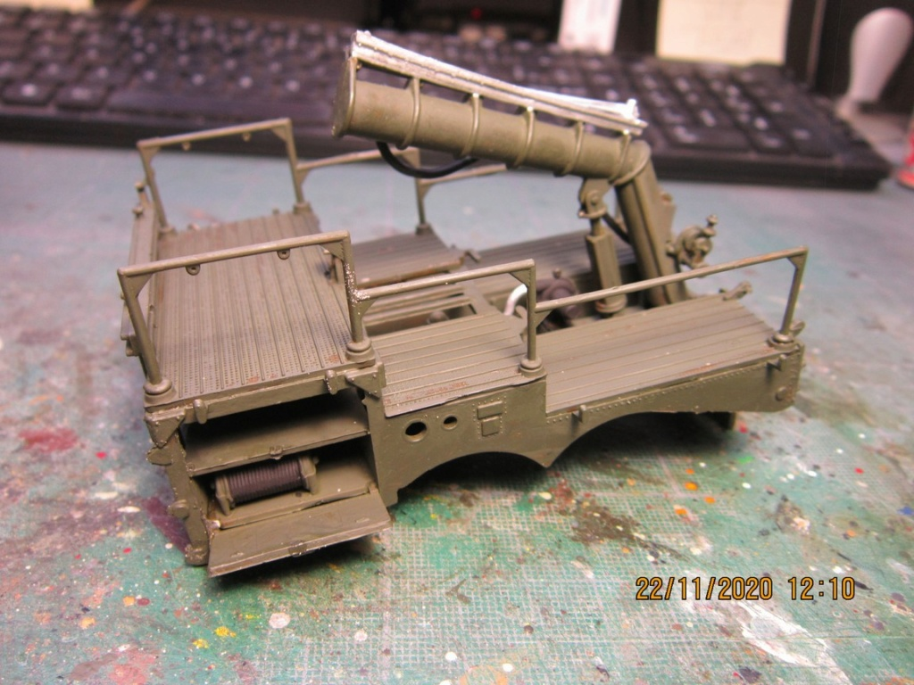 lacrosse missile with mobile launcher au 40 de Revell  (fini) Img_9931