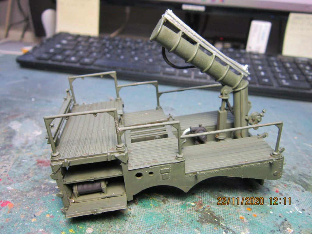 lacrosse missile with mobile launcher au 40 de Revell  (fini) Img_9933