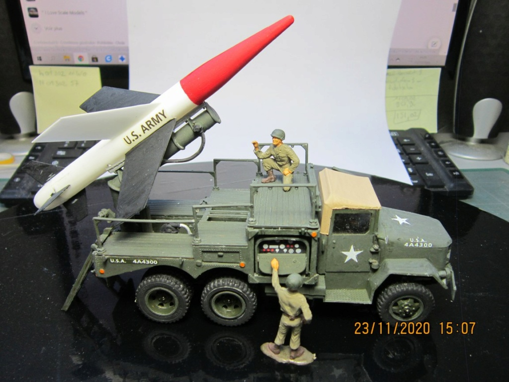 lacrosse missile with mobile launcher au 40 de Revell  (fini) Img_9936