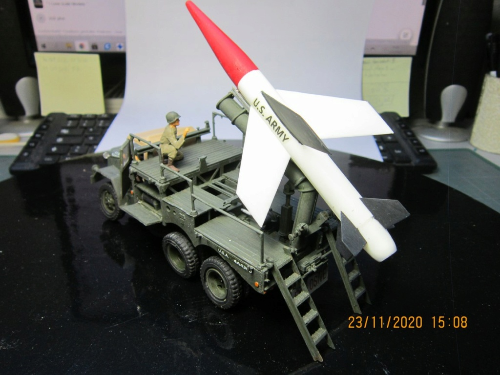 lacrosse missile with mobile launcher au 40 de Revell  (fini) Img_9937