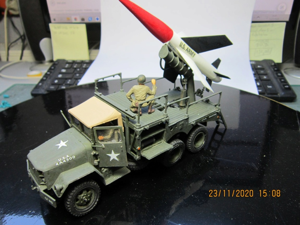 lacrosse missile with mobile launcher au 40 de Revell  (fini) Img_9938