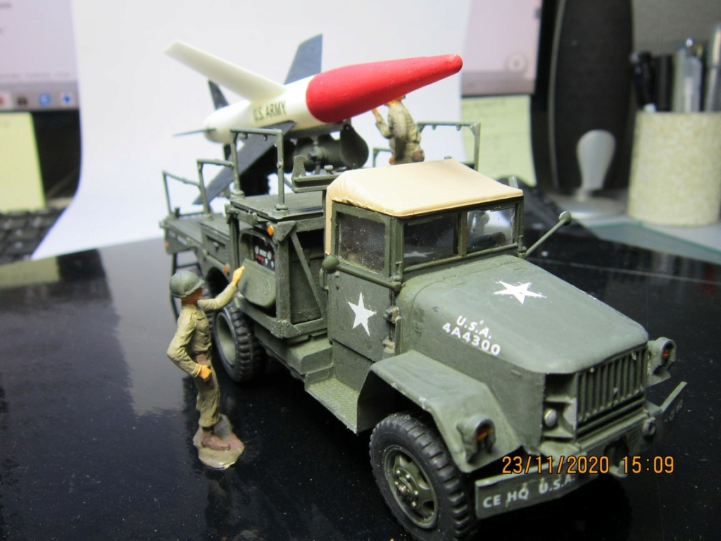 lacrosse missile with mobile launcher au 40 de Revell  (fini) Img_9939