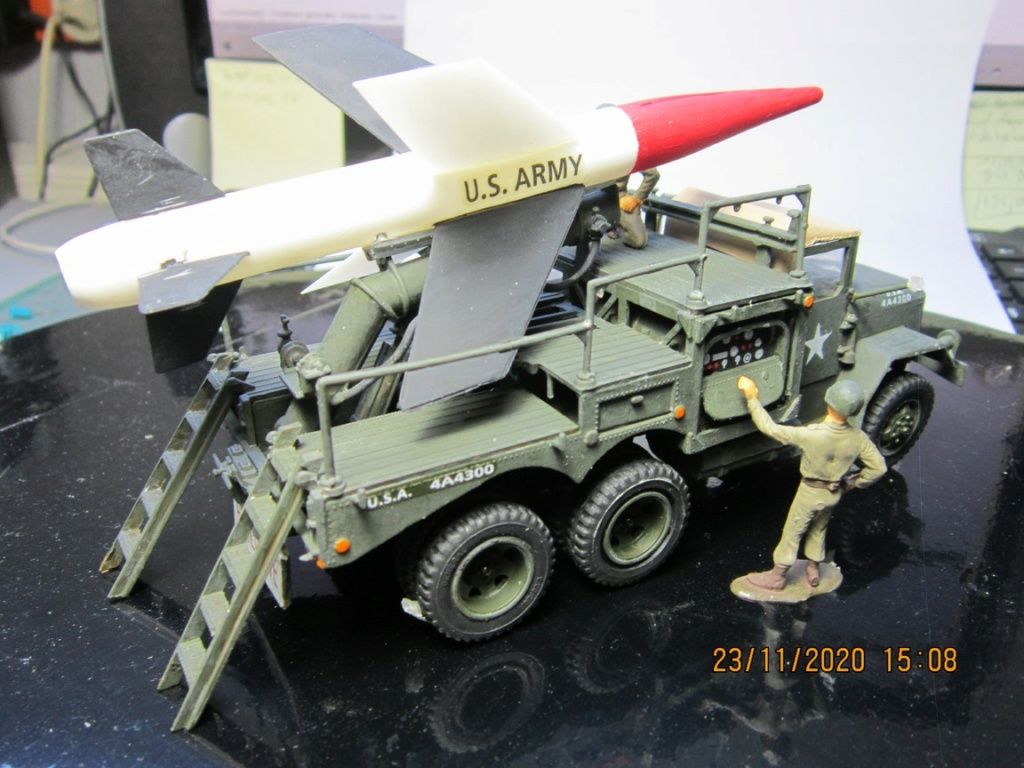 lacrosse missile with mobile launcher au 40 de Revell  (fini) Img_9941