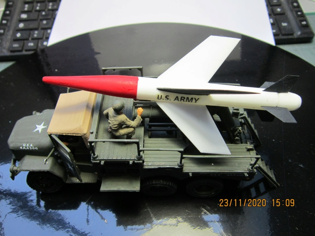 lacrosse missile with mobile launcher au 40 de Revell  (fini) Img_9942