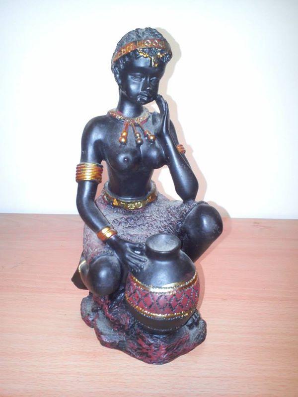 Statuettes !  14718910