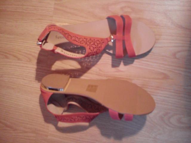 Sandales plates, chaussures à talons ... Taille 41, neuves ou TBE !!!  Dsc_0512