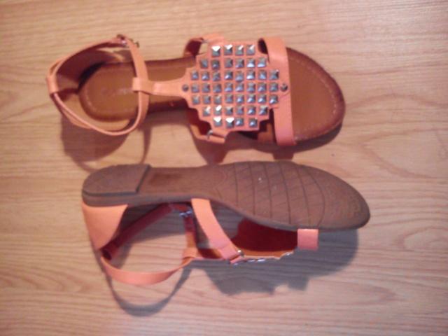 Sandales plates, chaussures à talons ... Taille 41, neuves ou TBE !!!  Dsc_0514