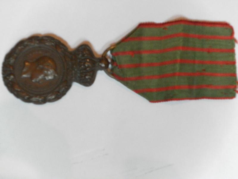 Les rubans de la médaille de Sainte Hélène. Sam_1622