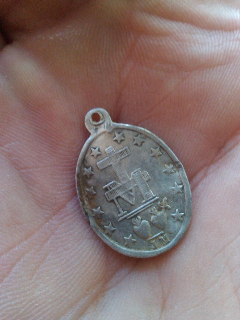 Petite  Médaille miraculeuse de la Rue du Bac Img_2014