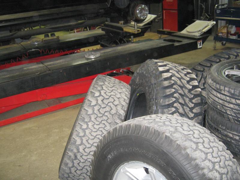 Photos de l'installation de mes nouveaux pneus Toyo M/T open country 37 X 13.50 R17 Toyo_t20