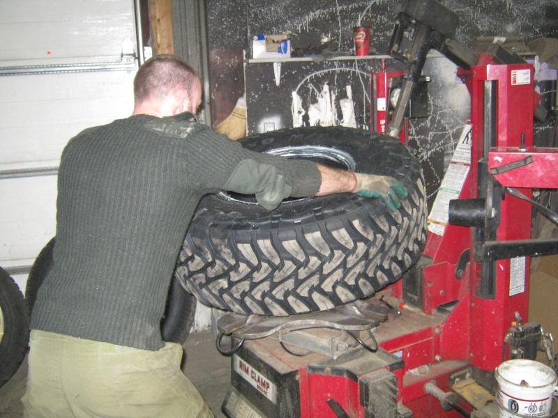 Photos de l'installation de mes nouveaux pneus Toyo M/T open country 37 X 13.50 R17 Toyo_t22