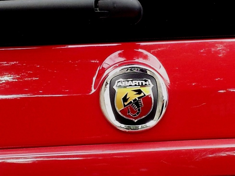 Logos Abarth sur une 100HP - Page 3 110