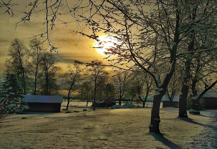 Zimski pejzaži-Winter landscapes - Page 26 74943810