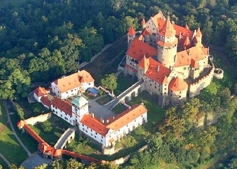 Dvorci,tvrđave i zamkovi - Page 5 D_z32j10