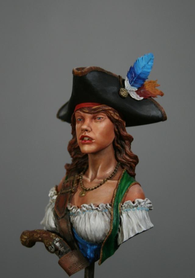 """Femme pirate de chez """"Nuts"""" 710"""