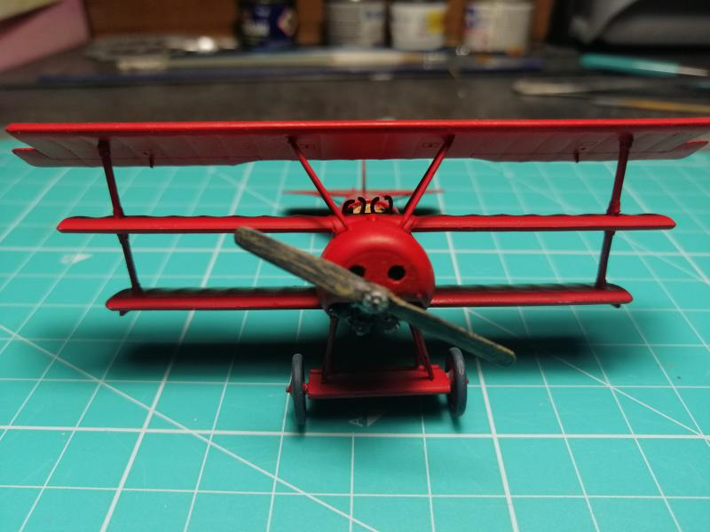 Fokker Dr 1 triplan de Manfred von Richthofen Revell 1/72 FINI !!!!!! 2112