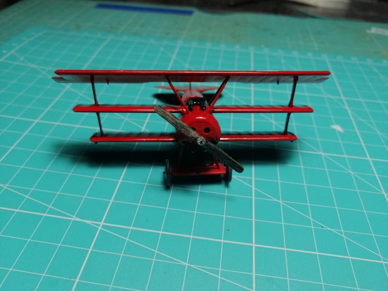 Fokker Dr 1 triplan de Manfred von Richthofen Revell 1/72 FINI !!!!!! - Page 2 2412