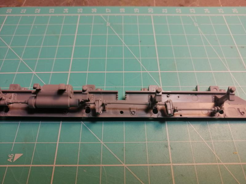 SS25 Sickle Topol Revell 1/72 - Page 2 2516