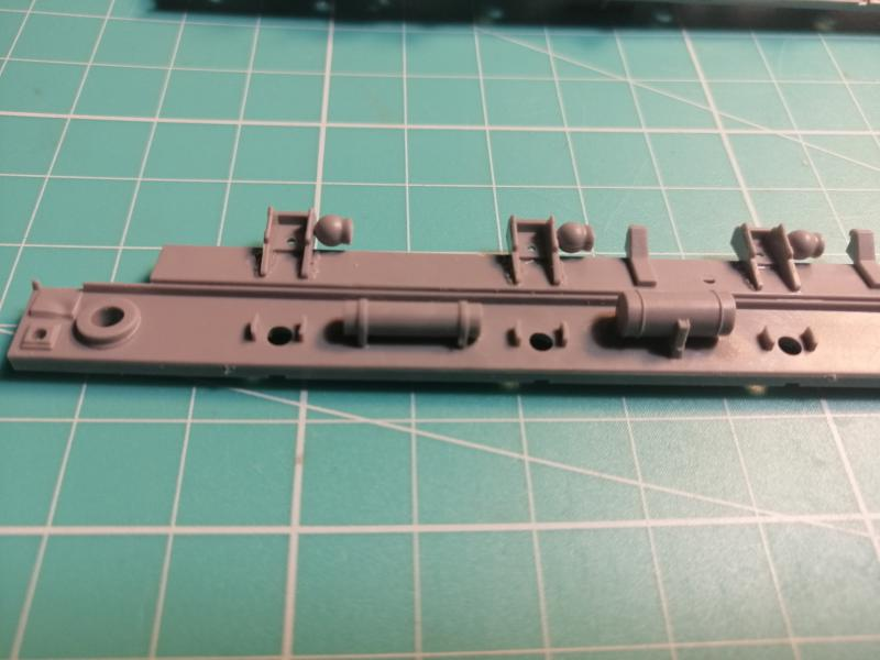 SS25 Sickle Topol Revell 1/72 - Page 2 2616