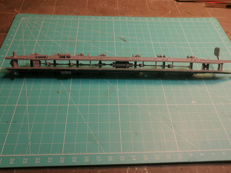 SS25 Sickle Topol Revell 1/72 - Page 2 2715