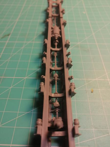 SS25 Sickle Topol Revell 1/72 - Page 2 2915