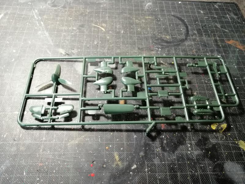 junkers JU 87 G/D Tank Buster  1/72 REVELL FINI !!!!!! 514