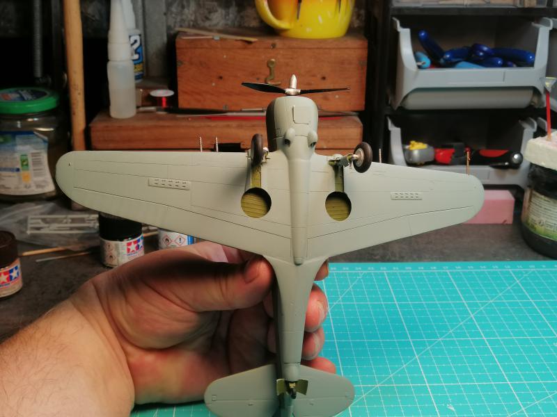 Curtiss Hawk 75 A N° 140 du capitaine Josef Duda Hobby craft 1/48 FINI !!!!!  - Page 4 5710