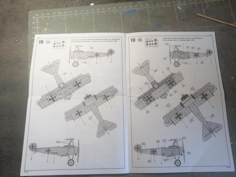 Fokker Dr 1 triplan de Manfred von Richthofen Revell 1/72 FINI !!!!!! 819