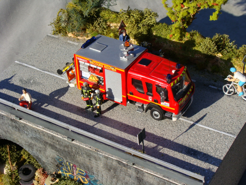 Caserne pompiers 1/43e - Page 5 Dsc03910