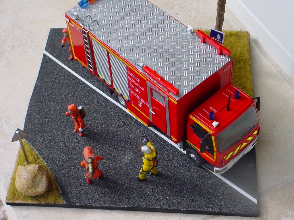 camion de pompiers : véhicule risques technologiques Dsc07514
