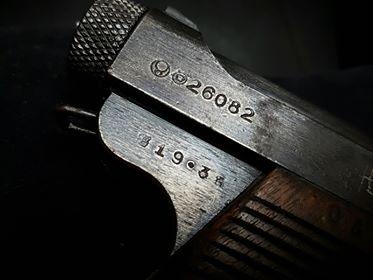 Pistolet japonais Nambu type 14 37119410