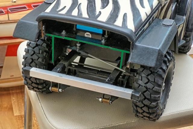 Veroma Jeep 1:8  Umbau Dsc00924