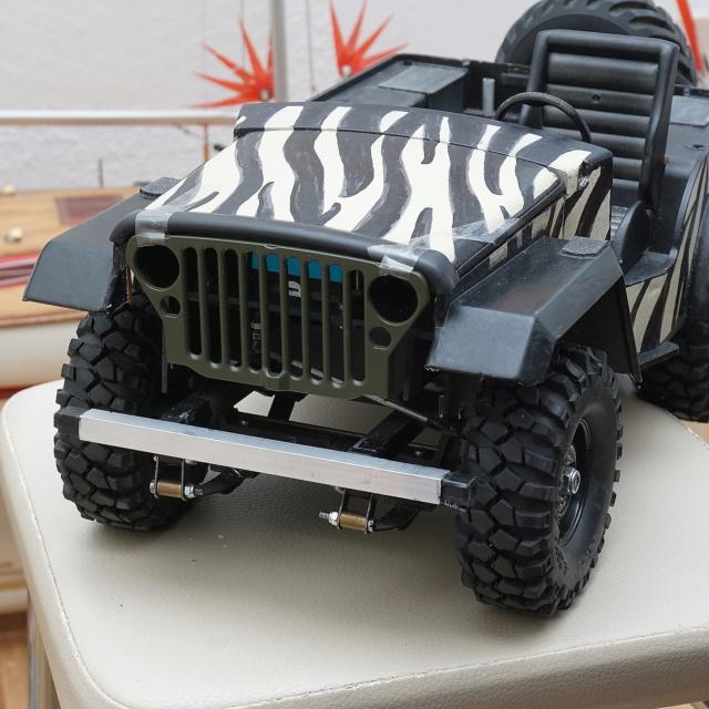 Veroma Jeep 1:8  Umbau Dsc00928