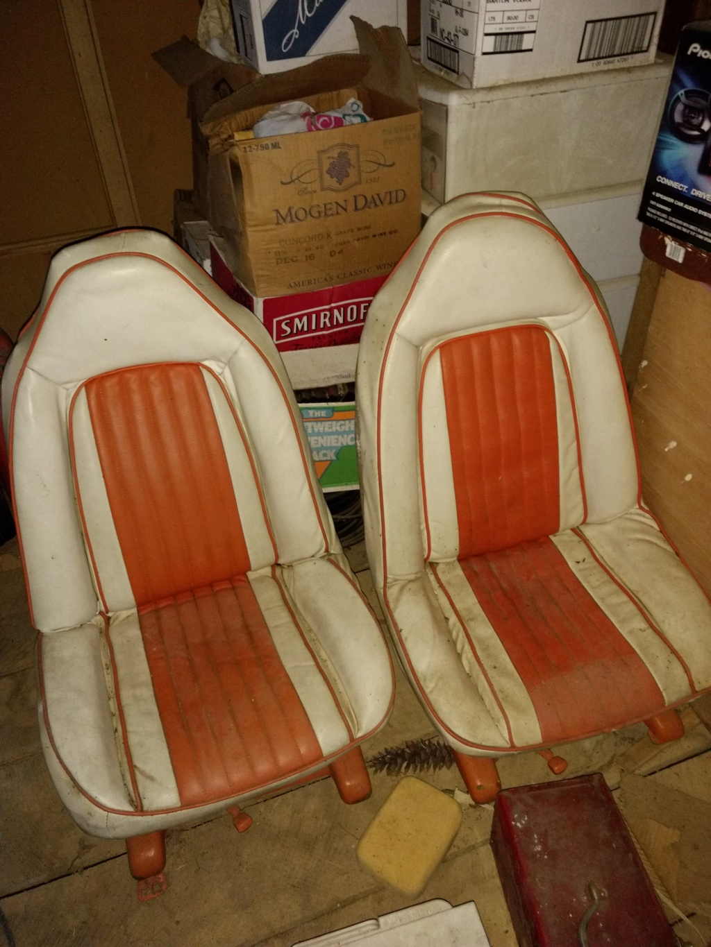 Swivel bucket seats Img_2012