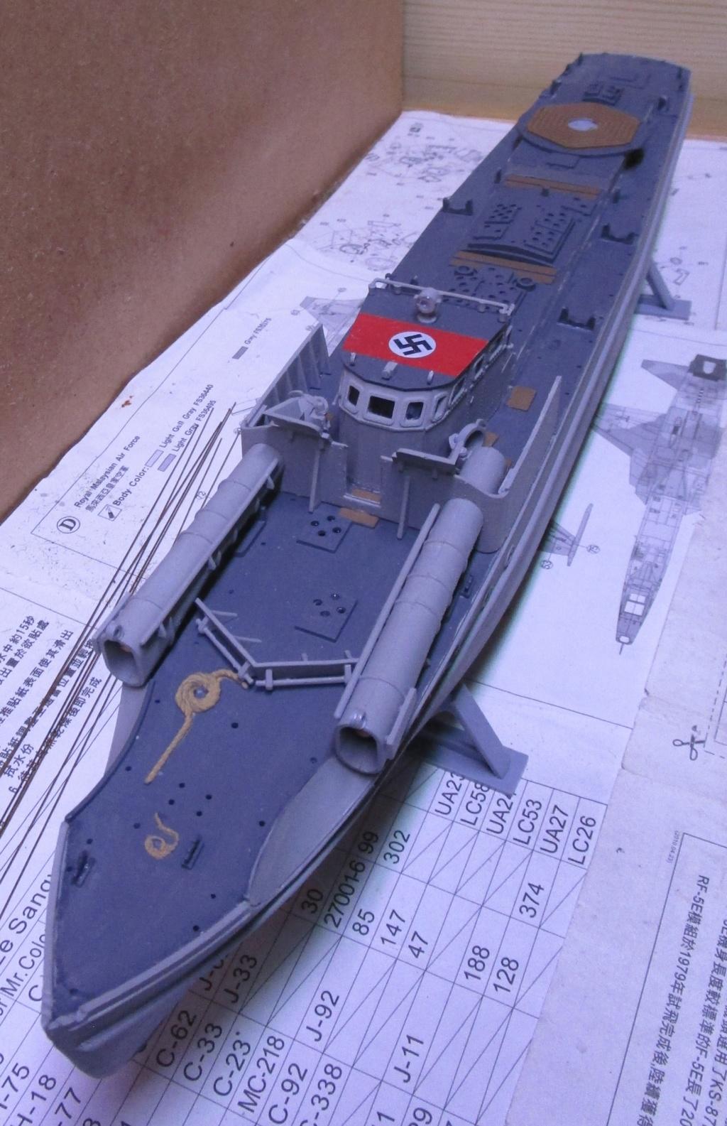 """La """"drôle de guerre"""" sur mer. E-boat (Schnellboot / S-boot) Airfix & Arado Revell 1/72ème. Img_1665"""