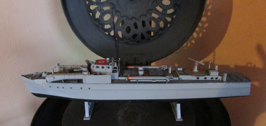 """La """"drôle de guerre"""" sur mer. E-boat (Schnellboot / S-boot) Airfix & Arado Revell 1/72ème. Img_1680"""